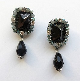 Rita Earrings – Black