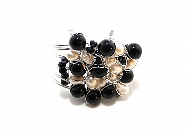 FRESH WATER PEARL CUFF- WHITE AND BLACK